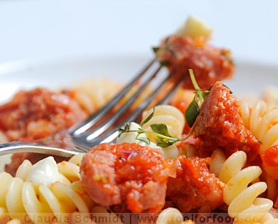 rezept mit bild f r pasta mit tomatensauce und salsiccia. Black Bedroom Furniture Sets. Home Design Ideas